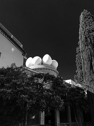 Dali Eggs