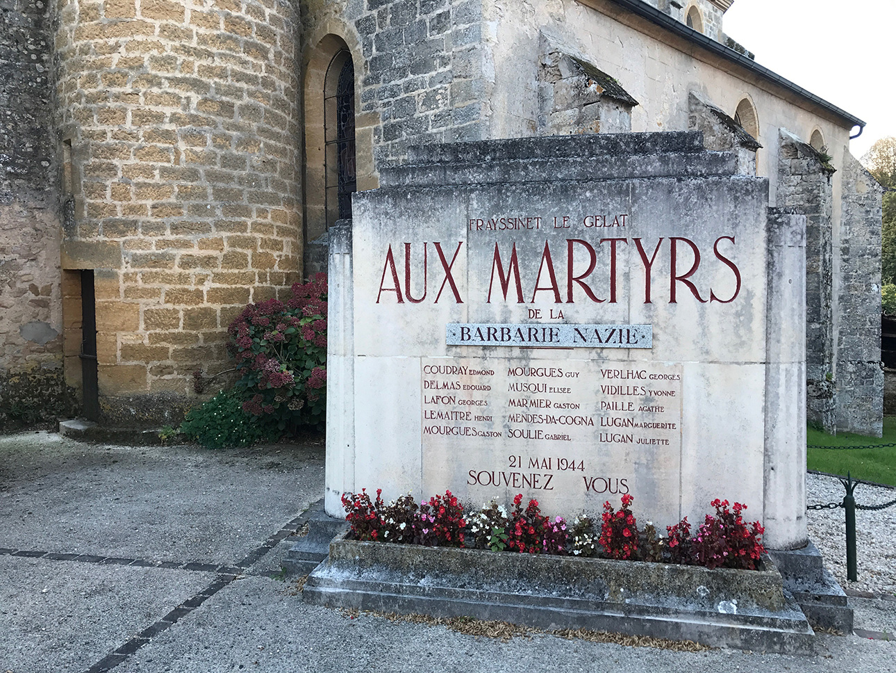 Aux Martyrs