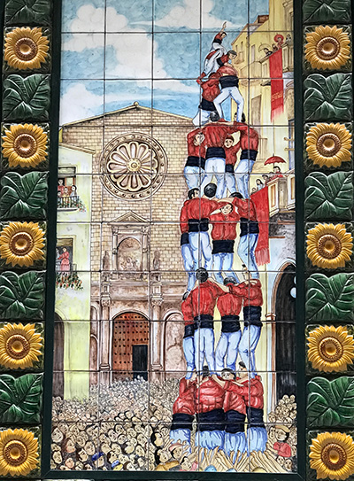 The Towers were human towers. It was a festive practice dating back to 1700.